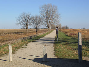 Trail/shared use path (unpaved)